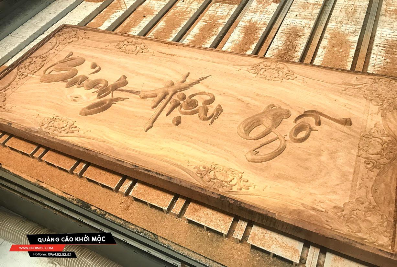 bảng hiệu gỗ khắc CNC 3D